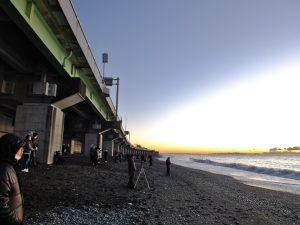 西湘バイパスと海岸