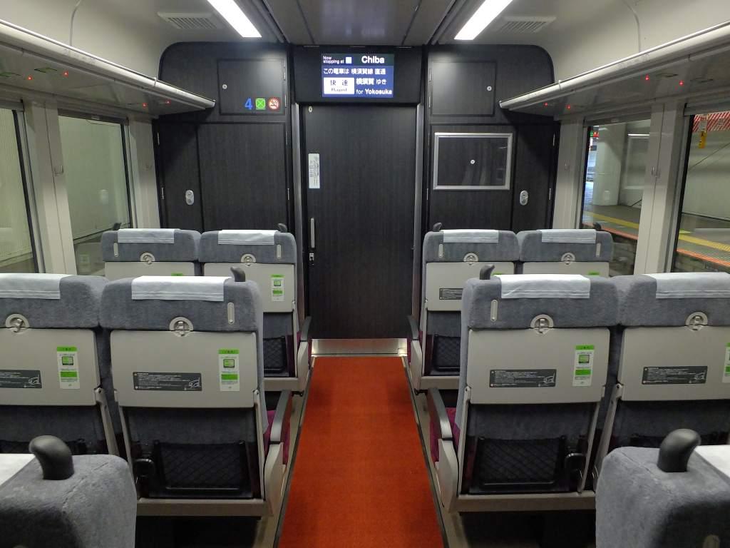 E235系1000番台 グリーン車平屋席